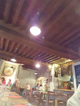 Lannion, France : intérieur du restaurant