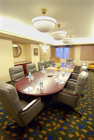 Norwalk, Kalifornien: Boardroom Meeting