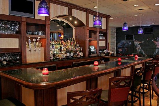 Holiday Inn Select Memphis - Downtown (Beale Street): Bar