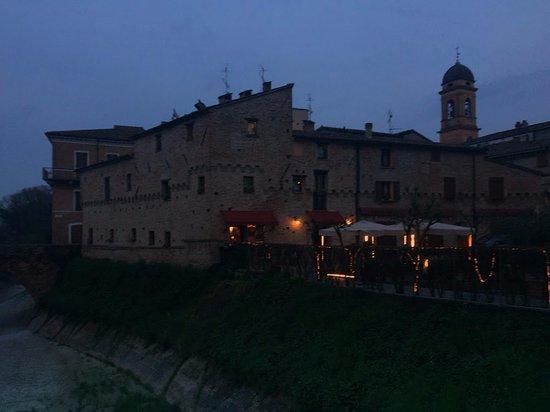 San Giovanni in Marignano, Italia: Esterno de Al Fortino delle Fate