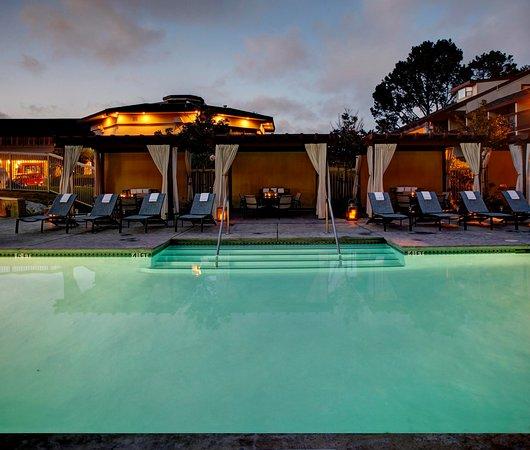 Hilton Garden Inn Monterey: Poolside