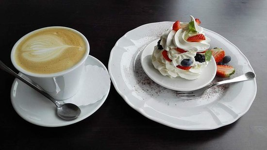 Kohvik Legend: Our famous cakes and coffee