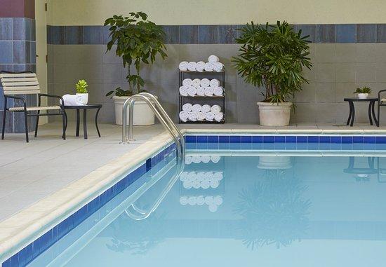 Hoffman Estates, Илинойс: Indoor Pool