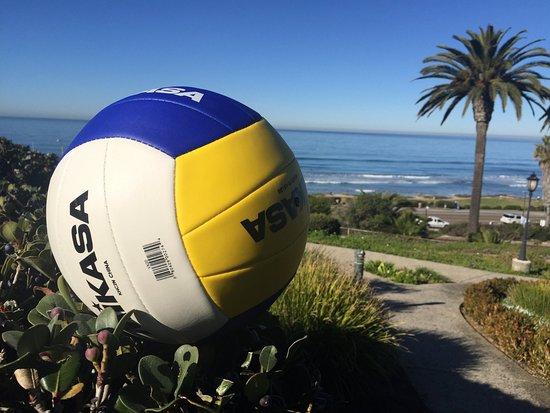 Дель-Мар, Калифорния: L'Auberge_Volleyball