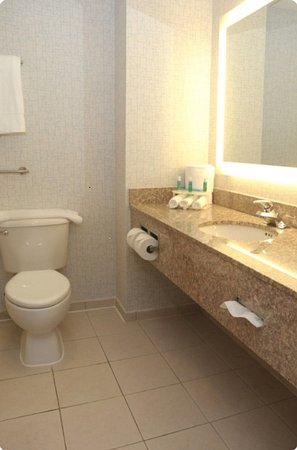 Hauppauge, NY: Guest Room
