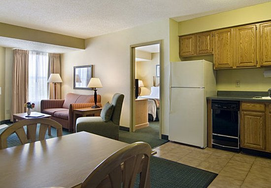 Lafayette, IN: Two-Bedroom Suite