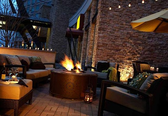 Broomfield, CO: Patio Fire Pit Seating