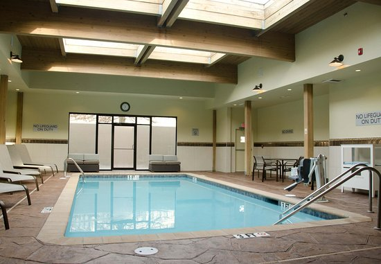 Waterbury, CT: Indoor Pool