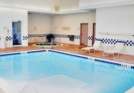 Butler, بنسيلفانيا: Indoor Pool