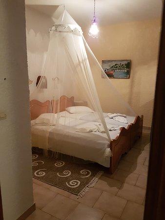 Archangelos Village: Bedroom