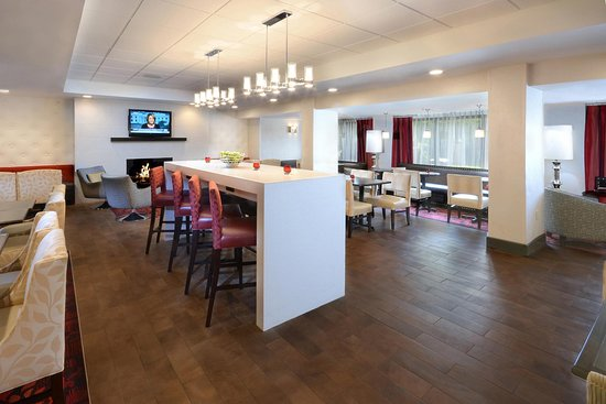 Hampton Inn Raleigh - Capital Blvd. North : Breakfast Area