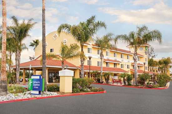 Holiday Inn Express San Diego - Escondido: Welcome to the Holiday Inn Express & Suites Escondido!