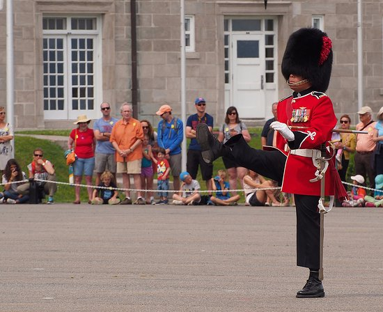 La Citadelle de Quebec: La relève de la garde