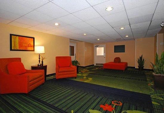 Dedham, MA: Lobby Sitting Area