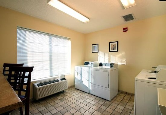 The Woodlands, TX: Guest Laundry