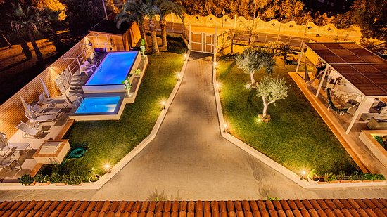 Giardino terrazza notte - Foto di Villa Sunset Bed & Breakfast ...