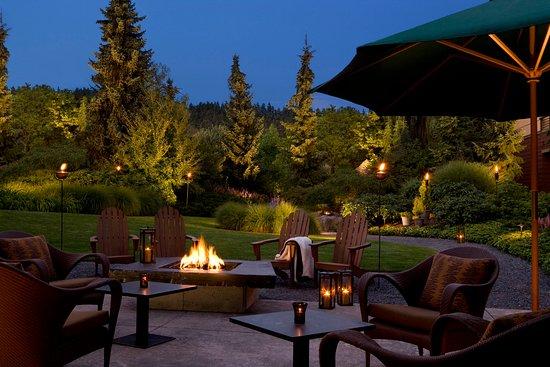 วูดินวิลล์, วอชิงตัน: Willows Lodge Firepit