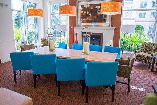 Hilton Garden Inn Orlando North Lake Mary - Community Table