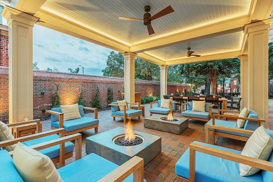 The Carolina Inn: CrossroadsChapelHill_Exterior_FirePit