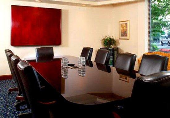 West Des Moines, IA: Boardroom