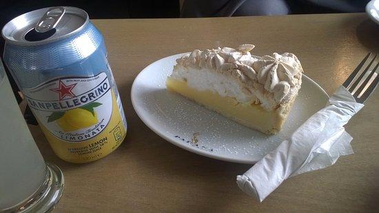 Strood, UK: Lemon Meringue Pie