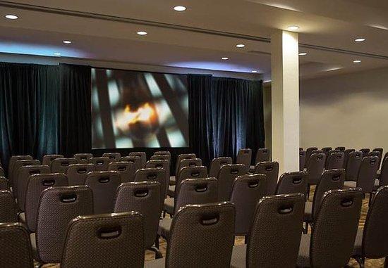 White Plains, Νέα Υόρκη: Hudson Theater Set-Up