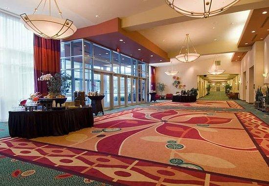 Richardson, TX: Banquet Foyer