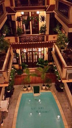 Nhi Nhi Hotel: 20160726_195633_large.jpg