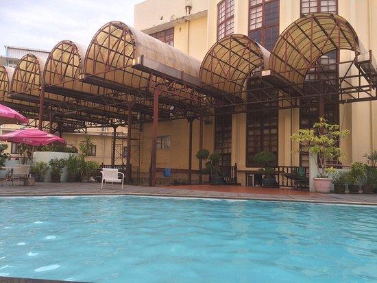 로얄 호텔 이미지