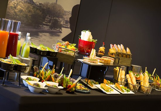 La Defense, France : Meetings Imagined Food