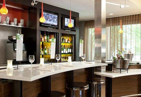 Pleasanton, Kaliforniya: The Bistro Bar