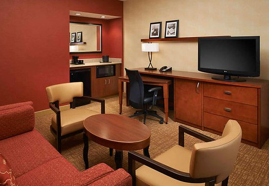 Waukegan, إلينوي: Suite Living Room