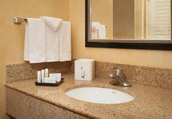 Waukegan, إلينوي: Bathroom Vanity