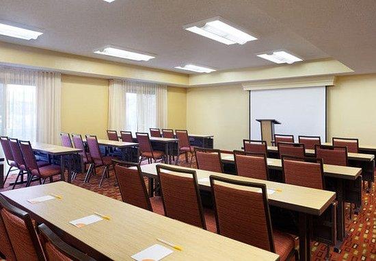 Plantation, FL: Meeting Room – Classroom Setup