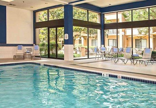 Rockville, MD: Indoor Pool