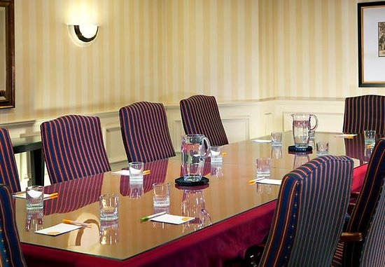 Lowell, MA: Executive Boardroom