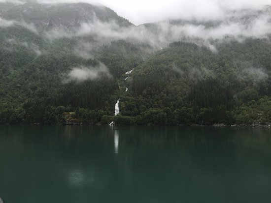Balestrand, النرويج: View from the boat