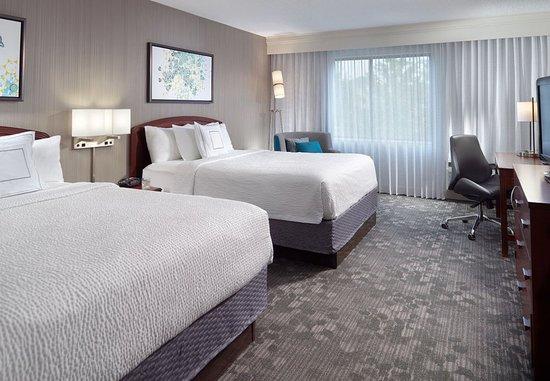 Alpharetta, GA: Queen/Queen Guest Room