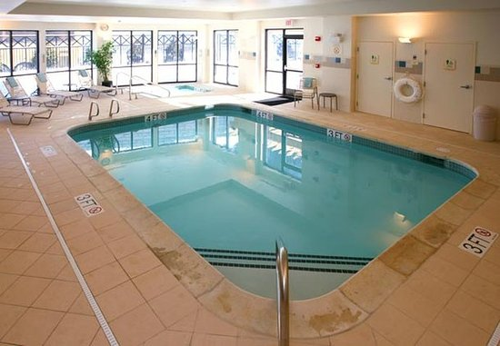 Lebanon, Nueva Hampshire: Indoor Pool & Whirlpool Spa