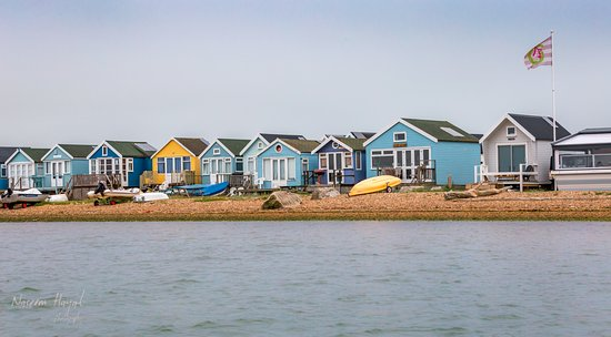 Highcliffe, UK: Beatiful colourful beach huts