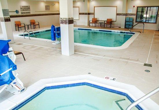 Rocky Mount, North Carolina: Indoor Pool & Whirlpool