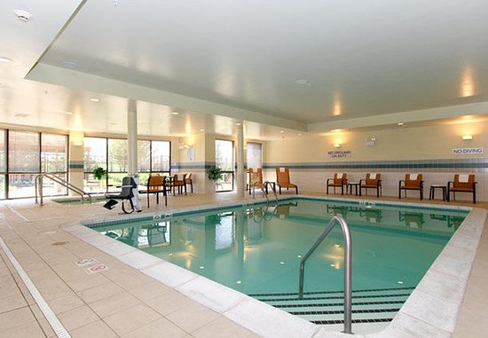 Salina, KS: Indoor Pool