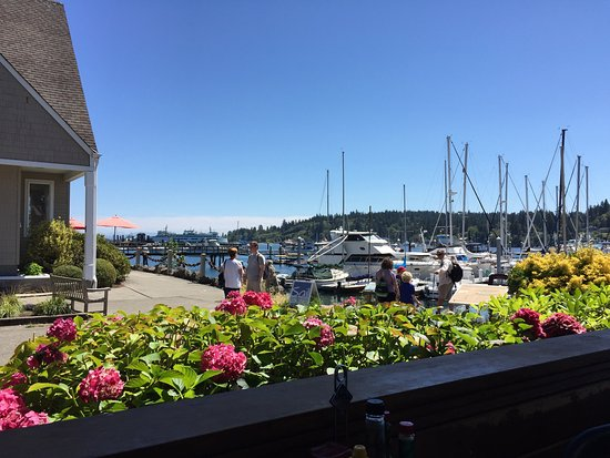 Bainbridge Island, WA: Great for waterfront lunch!