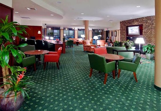 Hattiesburg, MS: Lobby Seating Area
