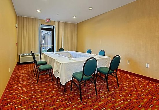 Springfield, VA: Black Beret Meeting Room - Hollow Square Setup