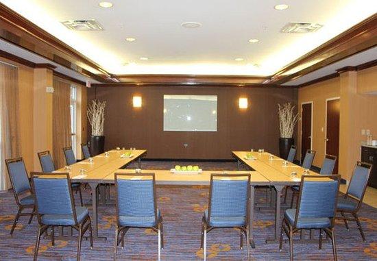 Basking Ridge, NJ: Meeting Room – U-Shape Setup
