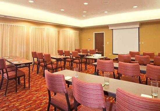 Beavercreek, OH: The Meeting Place - Classroom Style