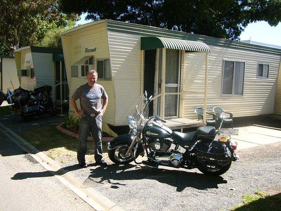 Mildura, Australien: Motorcycling neighbour (Polish)