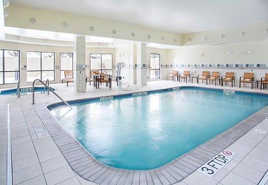Peoria, إلينوي: Indoor Pool & Whirlpool