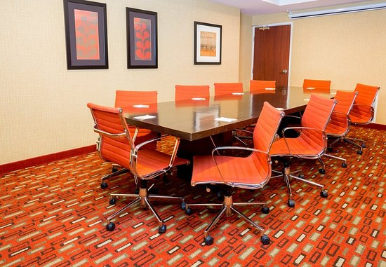 Bloomingdale, IL: Meeting Room